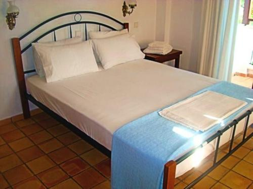 Greece Sivota Thesprotias Villa Dina Bedroom with 2ble bed